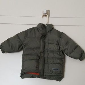 Oshkosh boy's very thick jacket size 3T